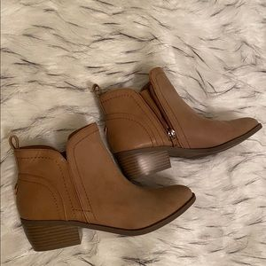 Guess tan ankle booties NEVER BEEN WORN